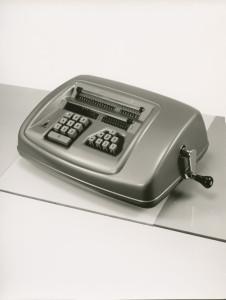 Zeitlos schön: Modell 16 T mit Zehnertastatur