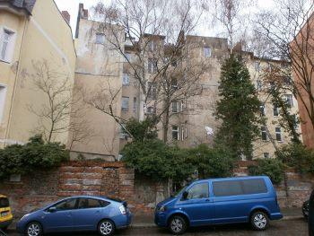 Die Methfesselstraße 7 heute - im Hintergrund erkennt man die Rückfront vom Haus Mehringdamm 84